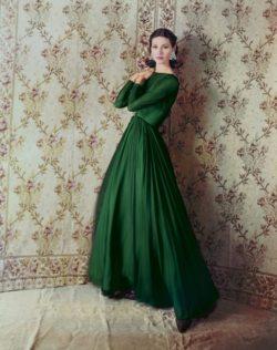 Pia Rossilli, portant une robe longue verte
